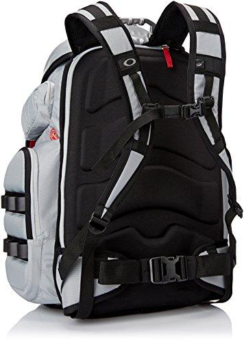 Amazon.com: Oakley Menu0027s Big Kitchen Backpack, Stone Gray, One Size:  Clothing
