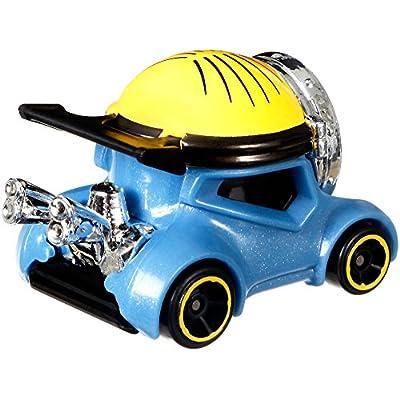 Hot Wheels Despicable Me: Minion Stuart Vehicle, 1:64 Scale: Toys & Games