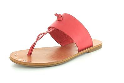 2d4ba4bc974c Lucky Brand Womens Ari Raspberry Thong Sandal - 6.5