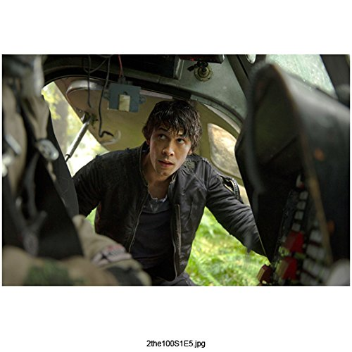 Bob Morley 8 Inch x 10 Inch PHOTOGRAPH The 100 (TV Series 2014 - ) Peering into Cockpit kn