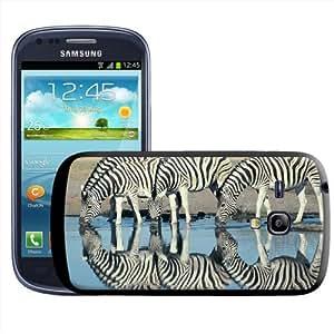 Fancy A Snuggle - Carcasa rígida para Samsung Galaxy S3 Mini i8190, diseño de cebras bebiendo