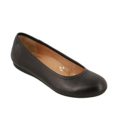 Taos Footwear Women's Rascal Flat | Flats