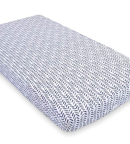 Burt's Bees Baby - Fitted Crib Sheet, Boys & Unisex 100% Organic Cotton Crib Sheet for Standard Crib and Toddler Mattresses (Blue Guide the Way Pattern) ()