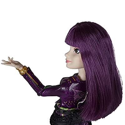 Disney Descendants 2 Mal Isle of the Lost Doll - Poseable Figure with Stylish Outfit and Matching Shoes: Hasbro: Toys & Games