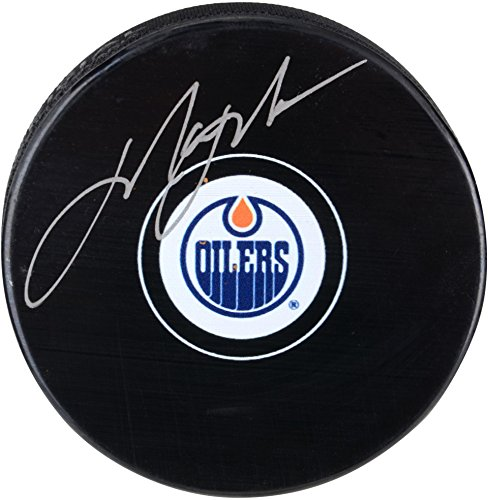 Mark Messier Autographed Oilers - Mark Messier Edmonton Oilers Autographed Hockey Puck - Fanatics Authentic Certified - Autographed NHL Pucks