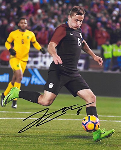 Jordan Morris, USA, United States National team, Signed, Autographed, 8X10 Photo, a Coa with the Proof Photo of Jordan Signing Will Be Included.