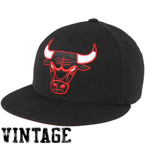 Mitchell & Ness Chicago Bulls Vintage LOGO Fitted CAP(Black) 7 1/4