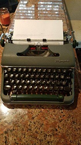 vintage manual typewriter - 6