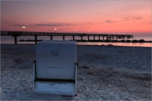 Strandkorb sonnenuntergang  Posterlounge Leinwandbild 120 x 80 cm: einsamer Strandkorb am Meer ...