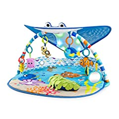 Climb aboard, friends! The world is your underwater oyster with this baby gym. Mr. Ray's cheerful stingray canopy invites all the little fish in the sea to play and explore. Hang out with your favorite Finding Nemo characters, like Crush (duu...