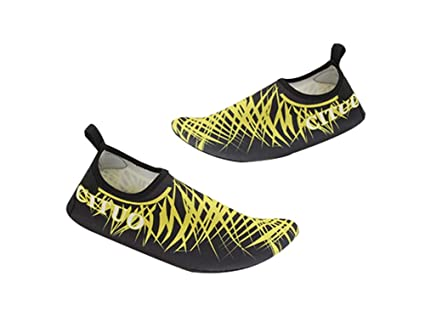 abb53feca77ae Amazon.com: PANDA SUPERSTORE Yoga Shoes Outdoor Beach Shoes Soft ...