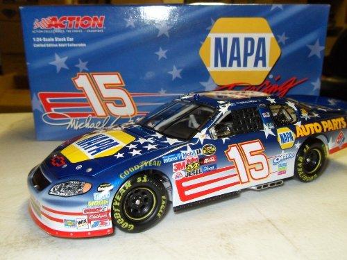 Michael Waltrip NAPA Stars & Stripes 2005 #15 Action Platinum Racing 1:24 Die-Cast Stock Car