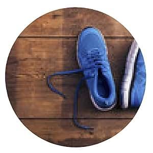 alfombrilla de ratón Par de zapatillas de deporte azules fijados en un fondo piso de madera - ronda - 20cm