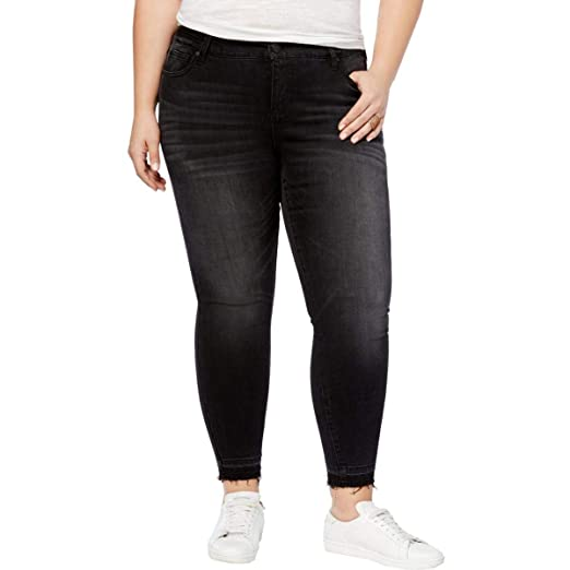 29678e6129e Amazon.com  Celebrity Pink Womens Plus Faded Raw Hem Ankle Jeans ...