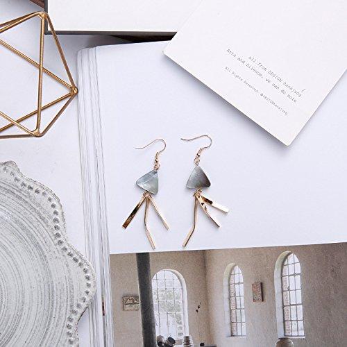 Original Hand-Made Geometric Triangle Earrings Black Lip Shell Earrings Retro Modern Jellyfish Earrings