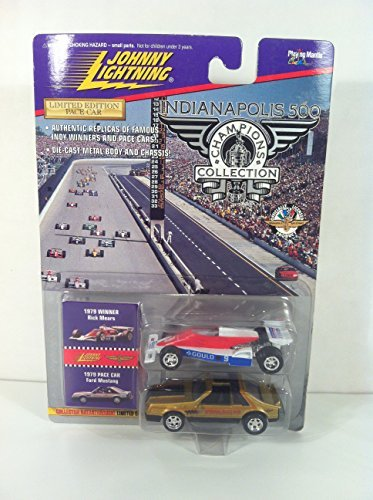 Johnny Lightning Indianapolis 500 Champions Collectors Edition: 1979 Rick Mears & 1979 Pace Car Ford Mustang ()