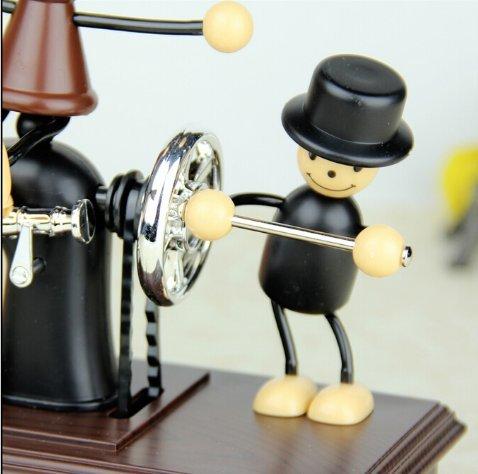 URToys Creative Clockwork Type Retro Sewing Machine Couple Puppet Musical Wooden Hand Crank Musical Box Christmas Birthday Wedding Valentine Gift