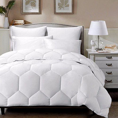 White Hexagonal Down Alternative Comforter Queen Size With Charcoal Borders