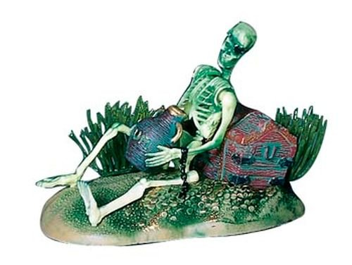 Live Ornament (Pen-Plax 085 Action Air Pirate Skeleton with Jug & Treasure Chest Live-Action Aerating Aquarium Ornament)
