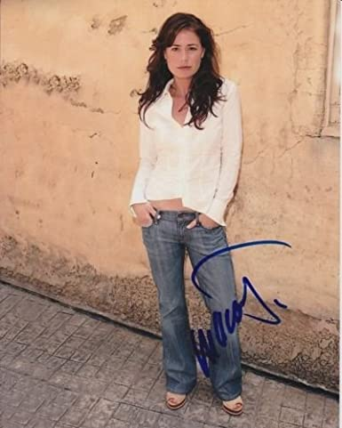 maura tierney signed autographed photo at amazon s entertainment
