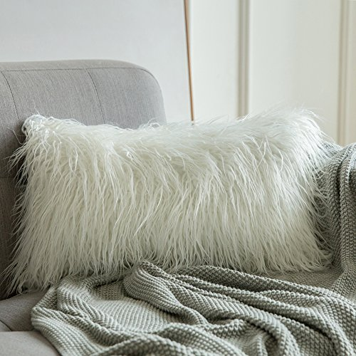 MIULEE Decorative New Luxury Series Style Christmas White Faux Fur Throw Pillow Case Cushion Cover for Sofa Bedroom Car 12 x 20 Inch 30 x 50 cm (Shag Pillow White)