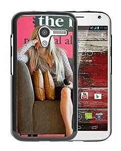 Beautiful Designed Cover Case With Avril Lavigne Sofa Microphone Pillows Inscription For Motorola Moto X Phone Case
