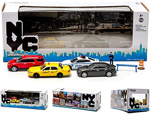 Greenlight Collectibles New York City Traffic Scene Diorama 5 Die Cast Car (1:64 Scale)