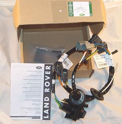 land rover brand lr4 discovery 4 trailer wiring kit tow electrics brand new oem rh amazon com land rover lr4 trailer wiring harness Six Pin Trailer Wiring Diagram