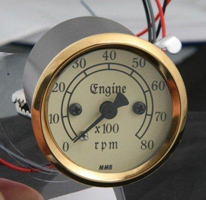 Contagiri RETRO da 48mm elettronico 8000 RPM, quadrante avorio, guscio nero con anello oro, luce retro illuminazione gialla. MMB
