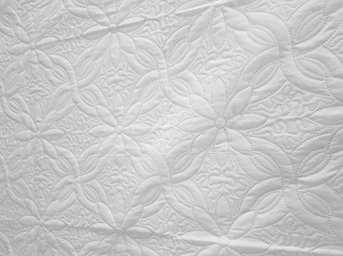 Price comparison product image Regal Home Collections Pinsonic Quilt (Full/Queen) - Assorted Colors (White)