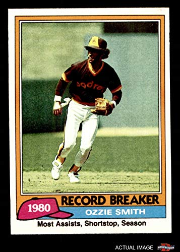 1981 Topps # 207 Record Breaker Ozzie Smith San Diego Padres (Baseball Card) Dean's Cards 7 - NM ()