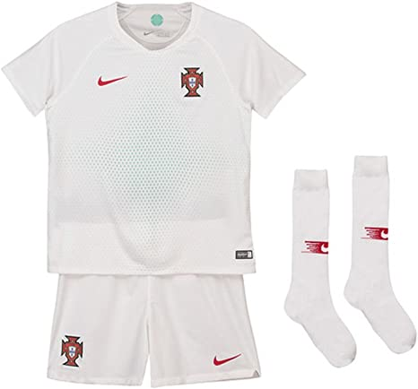 Nike 2018-2019 Portugal Away Mini Kit: Amazon.es: Deportes y aire libre
