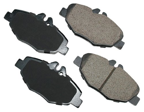 (Akebono EUR987 EURO Ultra-Premium Ceramic Front Brake Pad Set For 2003-2009 Mercedes-Benz E Class)