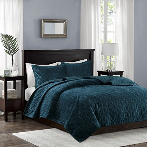 Madison Park Harper Velvet King/Cal King Size Quilt Bedding Set – Teal, Geometric – 3 Piece Bedding Quilt Coverlets – Velvet with 90% Cotton Filling Bed Quilts Quilted Coverlet
