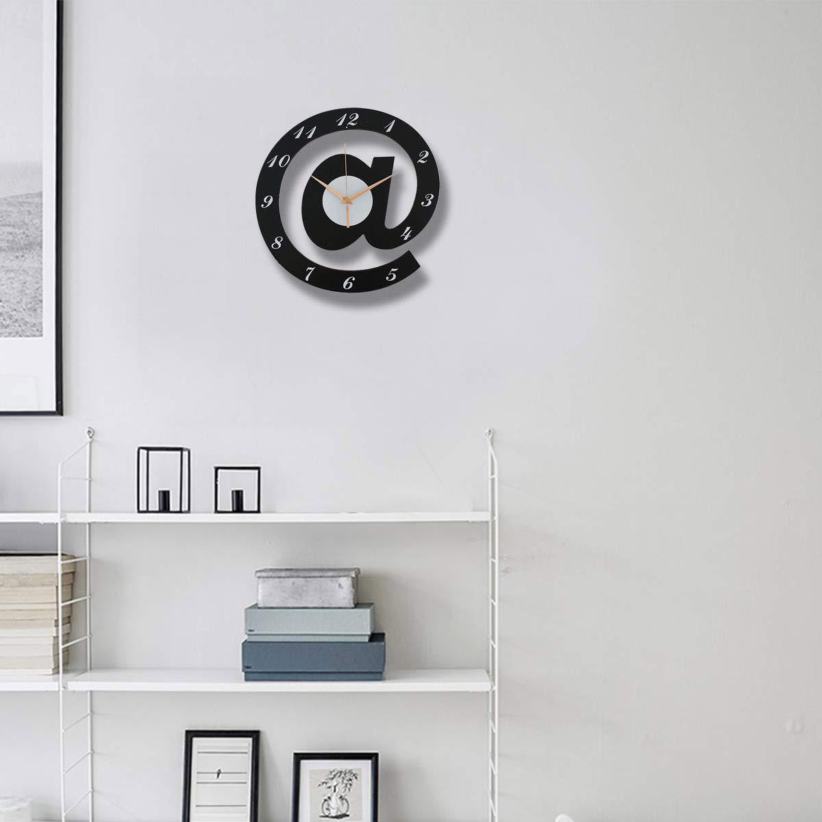 Hianiquaime Pendule Murale Silencieuse Lettre Design Horloge D/écorative Art Cr/éatif Cadeau Enfant pour Salon Chambre Accueil Decoration Noire Blanche 29x28 cm