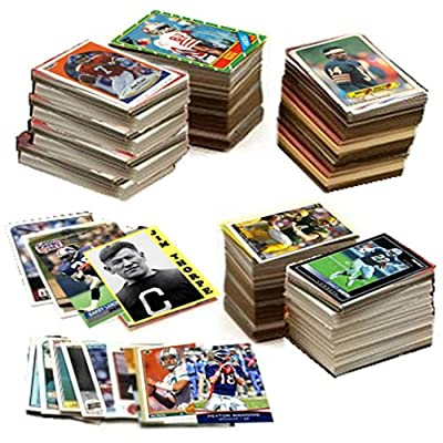 600 Football Cards Including Rookies, Many Stars, & Hall-of-famers. Ships in New White Box Perfect for Gift Giving. Includes an Unopened Pack of Vintage Football Cards That Is At Least 25 Years Old!