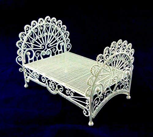 Dolls House Miniature 1:12 Bedroom Furniture White Wire Wrought Iron Peacock Bed by Vanity Fair ()