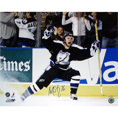 (Steiner Sports NHL Tampa Bay lightning Martin St. Louis Celebrating Playoff GWG vs Islanders 16 x 20-inch Photo)