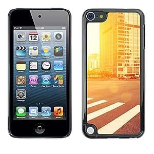 EJOY---Cubierta de la caja de protección la piel dura para el / Apple iPod Touch 5 / --Resplandor de la calle