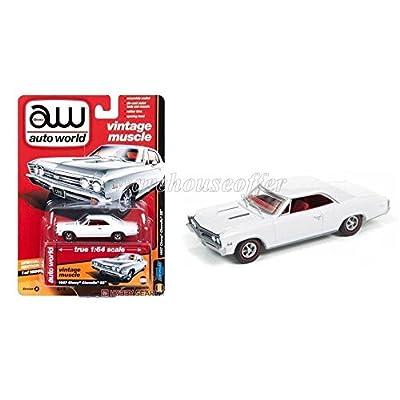 AUTO WORLD 1:64 DIE-CAST PREMIUM - 1967 CHEVROLET CHEVELLE SS - VERSION B AW64132-24B: Toys & Games