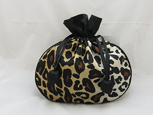 (Leopard silk pouch for jewelry and infinite uses.)