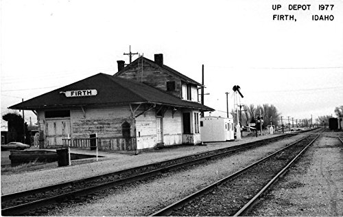 Firth Idaho 1977 street scene of Union Pacific train depot real photo pc Y2808