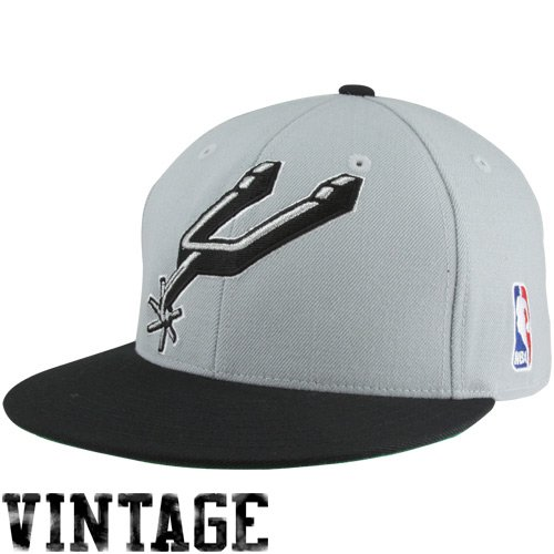 NBA Mitchell & Ness San Antonio Spurs Vintage Logo Two-Toned Fitted Hat - Silver/Black (7 5/8)