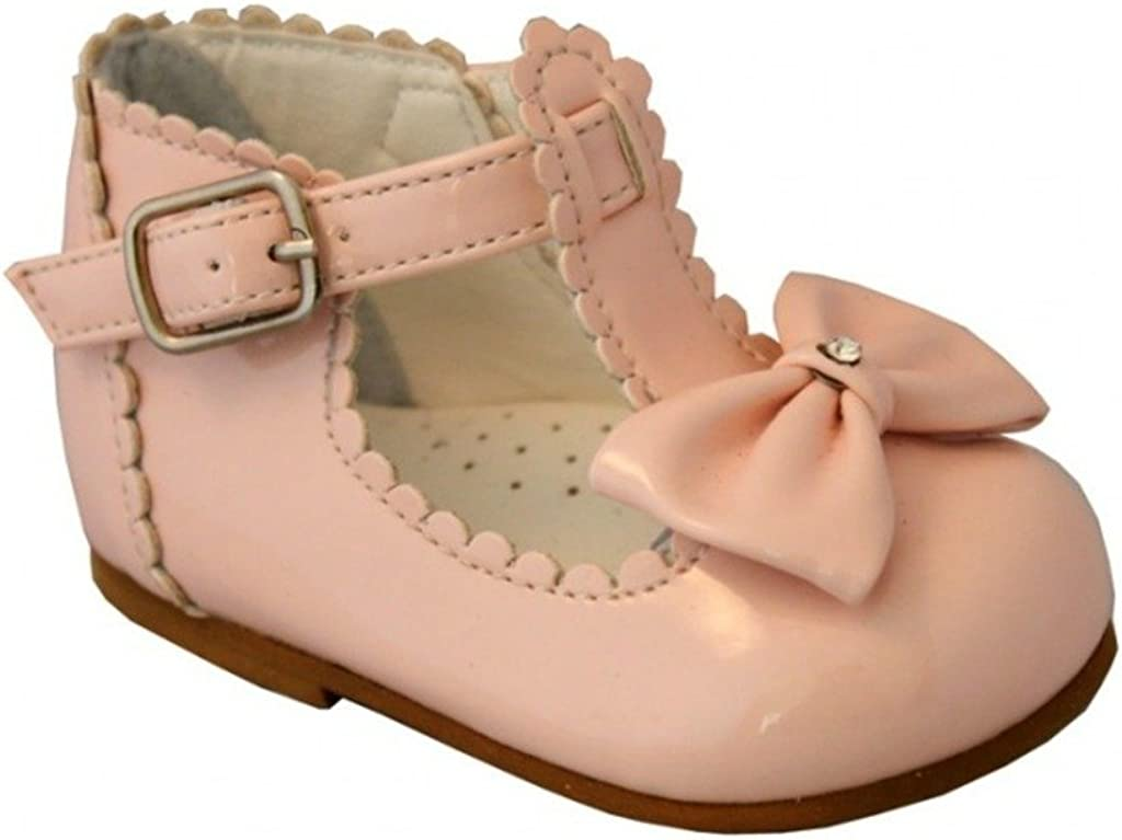 Sally Sevva baby girls Spanish style patent shoes with a bow