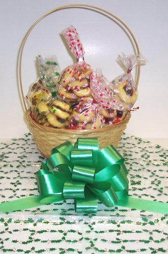 Butter Cookie Lovers Basket with Handle Holly Wrapping ()