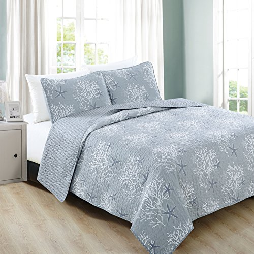 Home Fashion Designs 3-Piece Coastal Beach Theme Quilt Set with Shams. Soft All-Season Luxury Microfiber Reversible Bedspread and Coverlet. Fenwick Collection Brand. (Full/Queen, Pearl Blue)