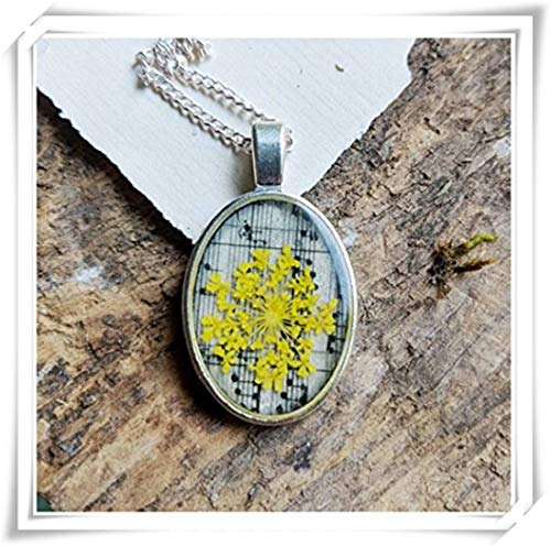 Music pressed flower necklace, with yellow lace,