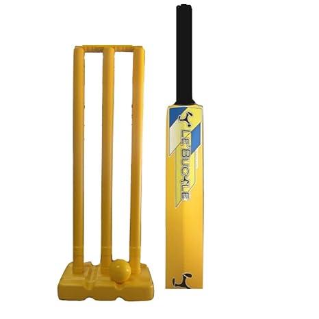 Le Buckle Plastic Cricket Set  Size 5
