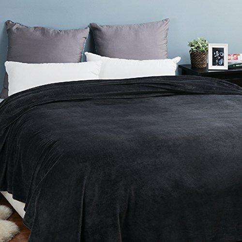 Bedsure Fleece Blanket Queen Size Dark Grey Lightweight Bed Blanket Super Soft Cozy Microfiber (A Bed Blanket)