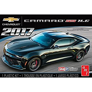 AMT AMT1032 1 2017 Chevy Camaro 1LE - Snap Kit, 1:25 Scale